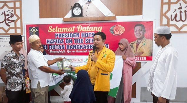 Ponpes Rutan Rangkasbitung Terima Wakaf Al Quran Dari HOTS Indonesia
