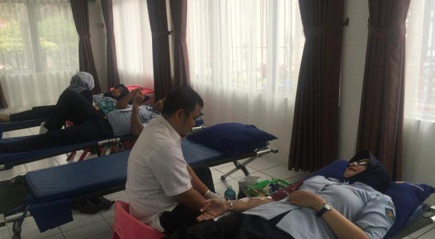 Petugas Rutan Rangkasbitung Donorkan Darah Bagi Masyarakat