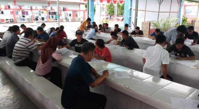 Datangi Rutan Manado, LKHB Neomesis Bagikan Kuesioner Kepada WBP
