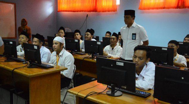 Doa Kalapas Narkotika Jakarta Iringi UNBK WBP