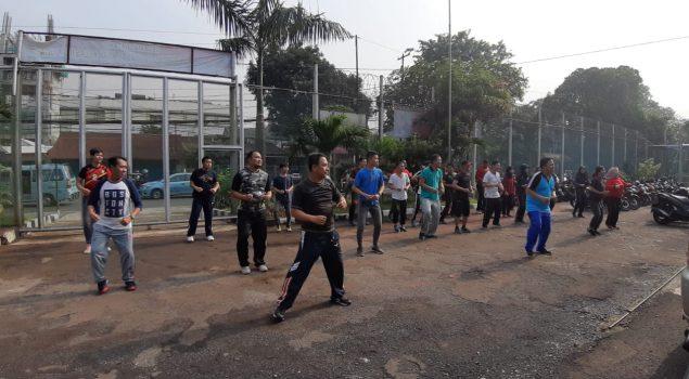 Pegawai LPKA Jakarta Laksanakan Senam Pagi Untuk Menjaga Performa Saat Menjalankan Tugas