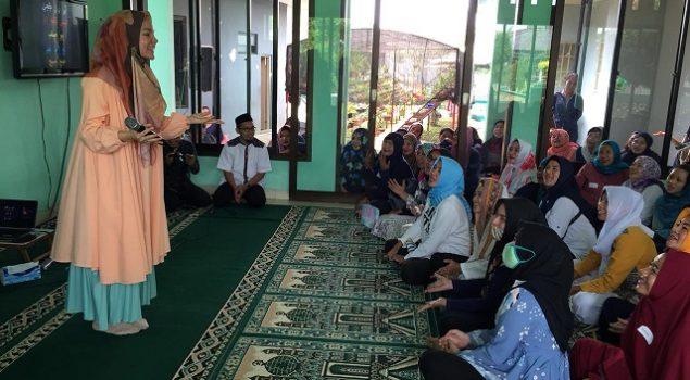 Dewi Sandra Memotivasi WBP Agar Semangat Pelajari Alquran