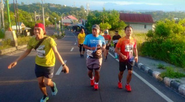 "Petugas Lapas Watampone Tuntaskan 10 KM ""Habibie Ainun Fun Run 2019"""