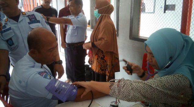 Demi Petugas Sehat Jasmani, Rutan Bantaeng Fasilitasi Medical Check-Up