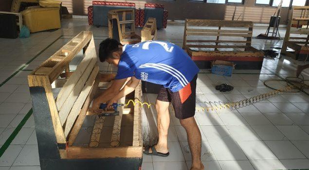 WBP Rutan Unaaha Genjot Kegiatan Reparasi Sofa