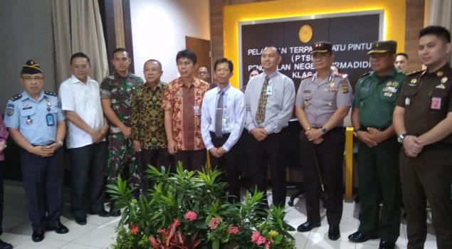 Karutan Manado Hadiri Peresmian PTSP PN Airmadidi Minahasa Utara