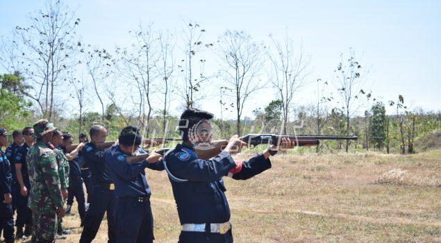 Rutan Purworejo dan Kodim 0708 Purworejo Adakan Latihan Menembak Bersama