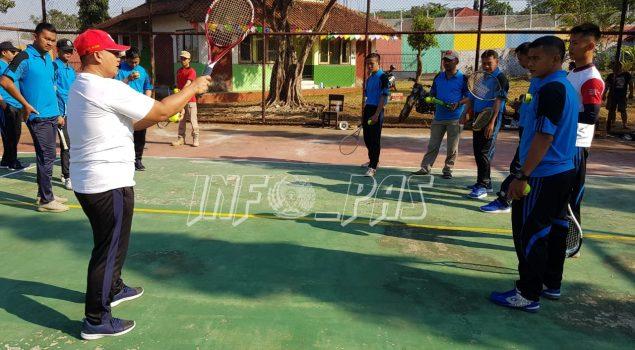 Jajaran Rutan Batang Latihan Tenis Bersama