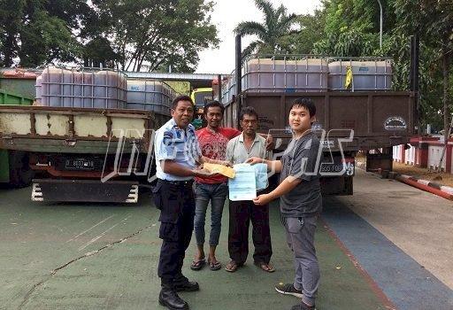 Rupbasan Bandung Keluarkan 91 Tank Bahan Kimia Polycarboxylate