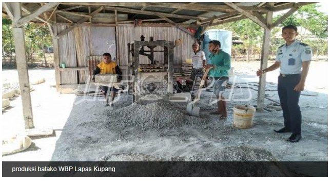 Produksi Batako WBP Lapas Kupang Capai 600 Buah Perhari