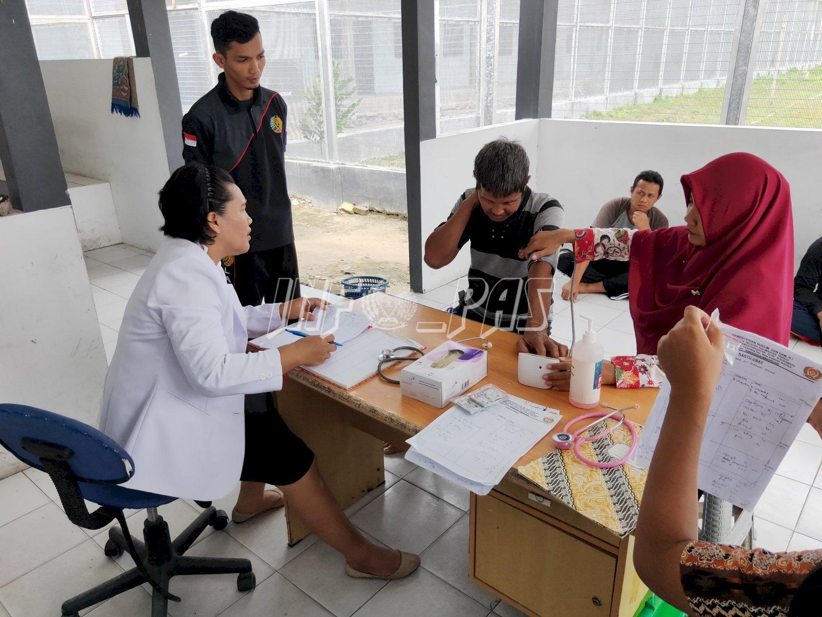 Gandeng Dinkes, WBP Lapas Sukamara Rutin Jalani Pemeriksaan Kesehatan