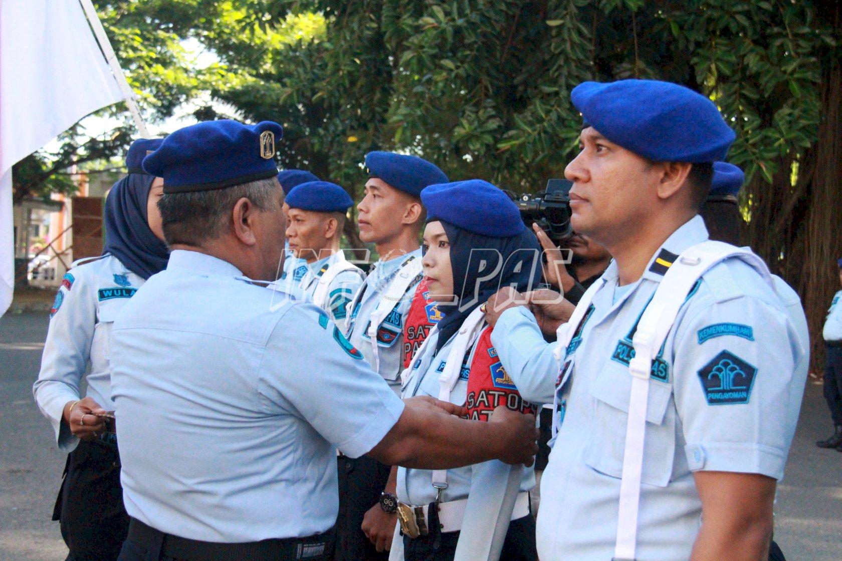 Kakanwil Maluku Kukuhkan 157 Anggota SATOPS PATNAL