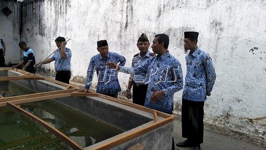 Lakukan Survey Kolam Ikan, Dinas Perikanan & Kelautan Datangi Rutan Bantaeng