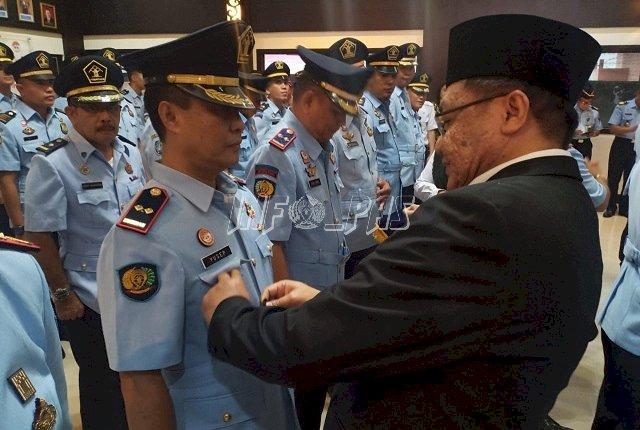 Kakanwil Sulut Lantik Pejabat Baru Karutan Manado