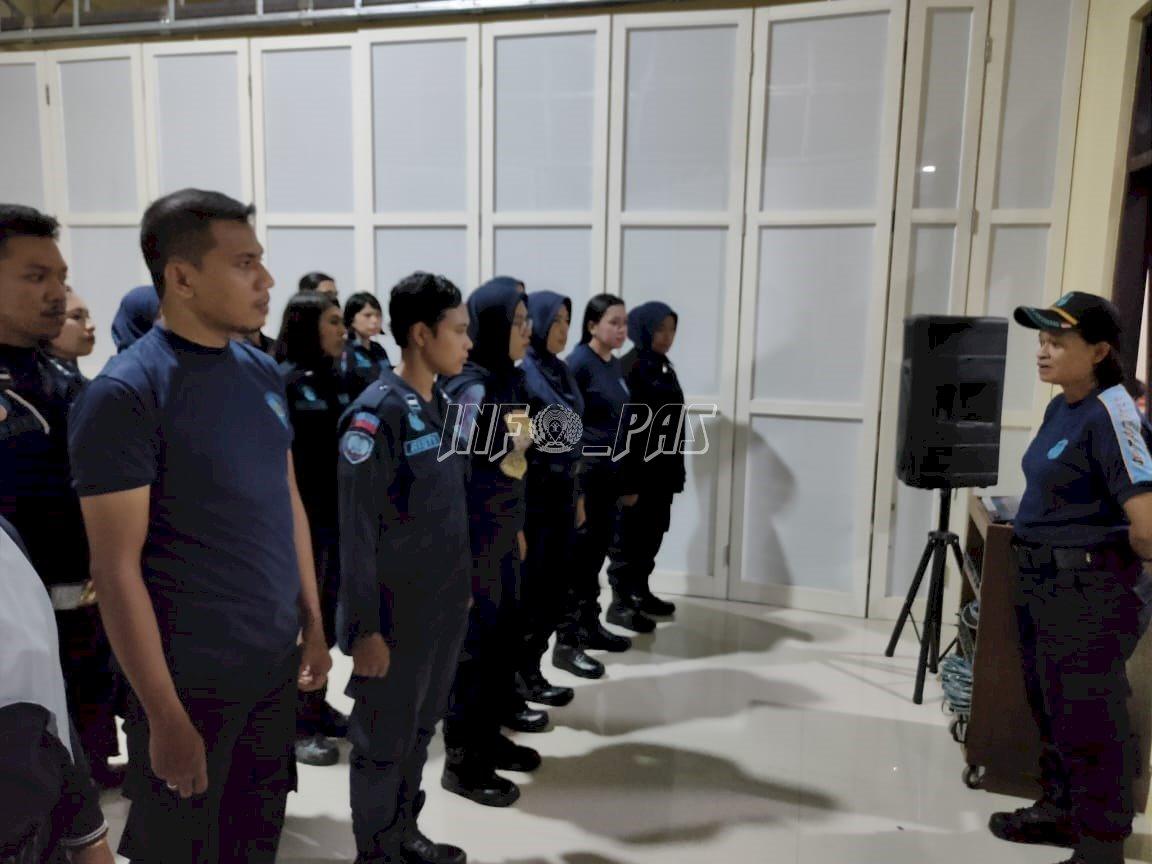 Lakukan Penggeledahan Malam, LPP Ambon Pastikan Kamar Hunian & WBP Nihil Barang Terlarang