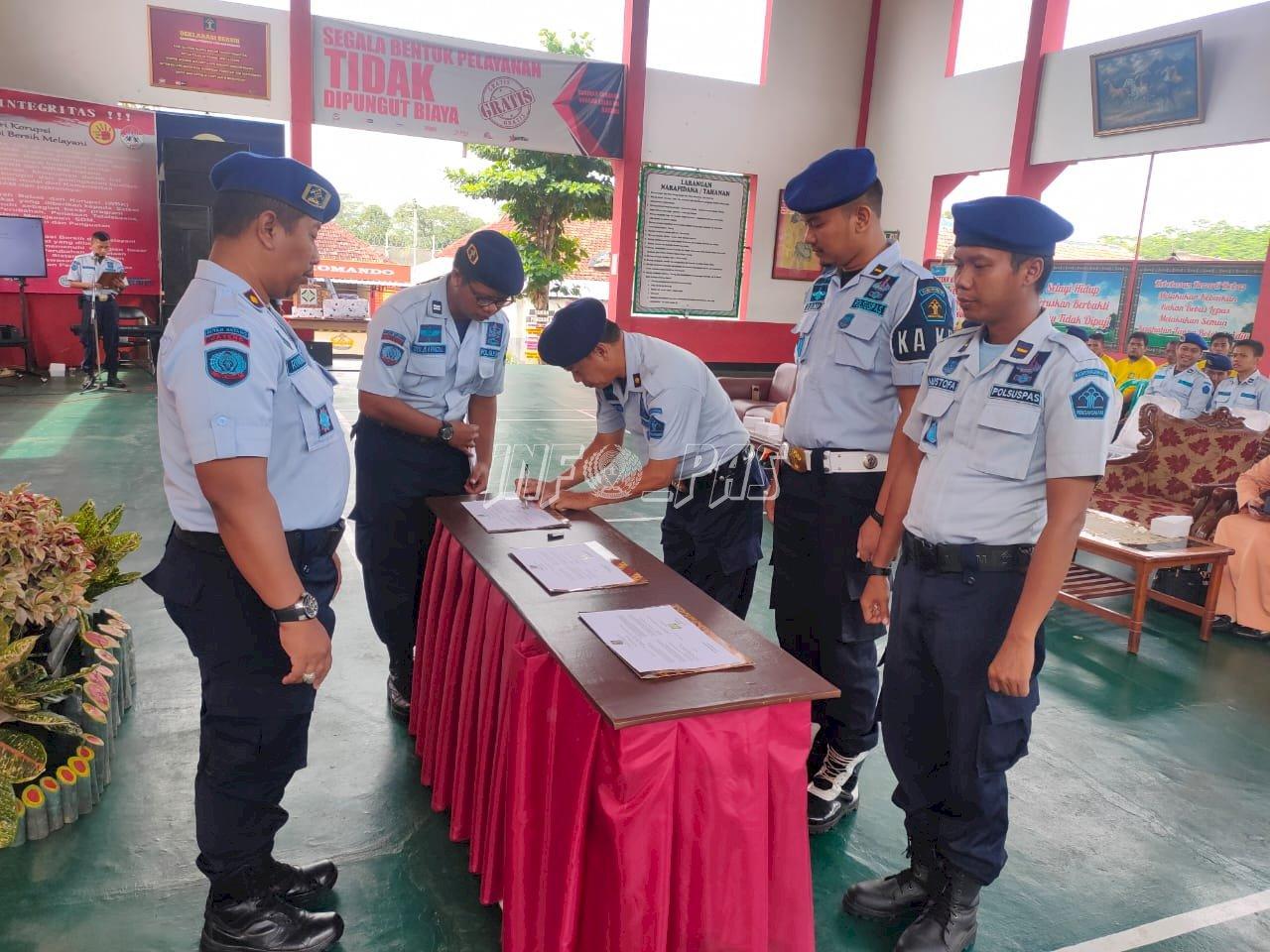 Petugas Rutan Batang Teken Pakta Integritas Menuju WBK