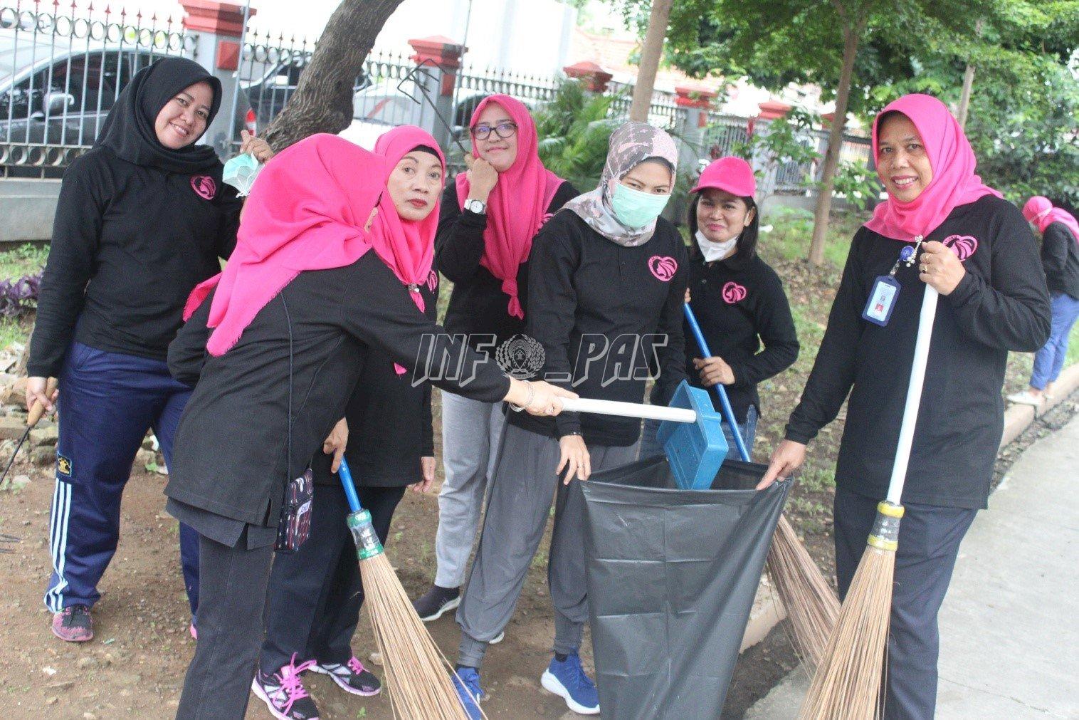 LPP Jakarta Giatkan Kerja Bakti Demi Ciptakan Kebersihan