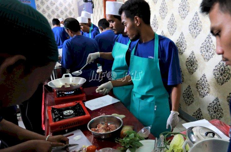 100 WBP Lapas Tangerang Masak, Menuju Layanan Makanan Siap Saji