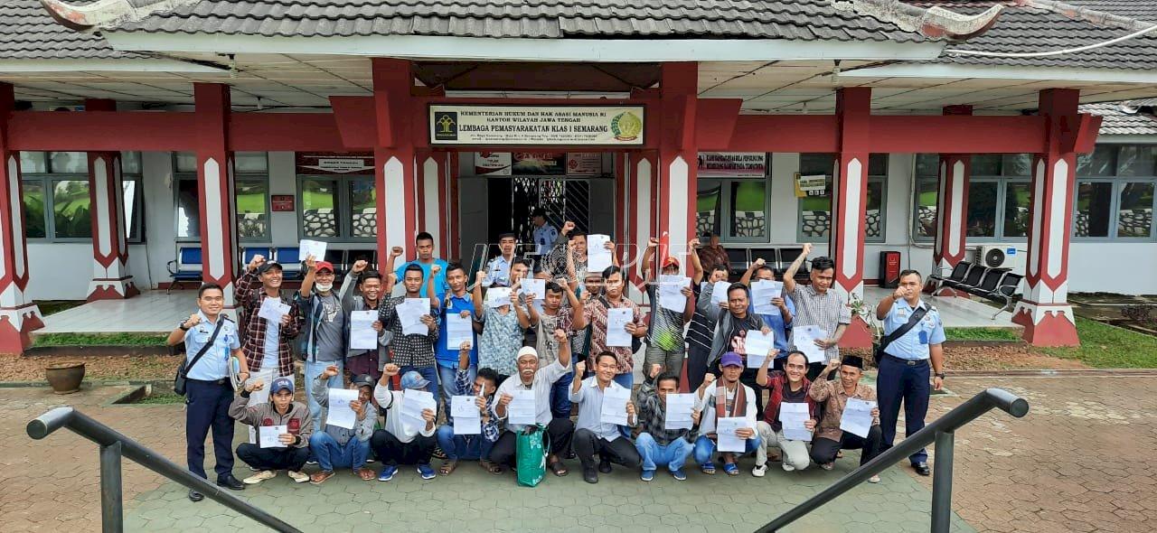 55 Napi Lapas Semarang Dapatkan SK Crash Program, 28 Orang Langsung Bebas Bersyarat