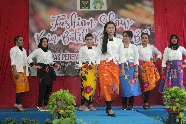 WBP Peragakan Kain Batik Dalam Fashion Show LPP Jakarta