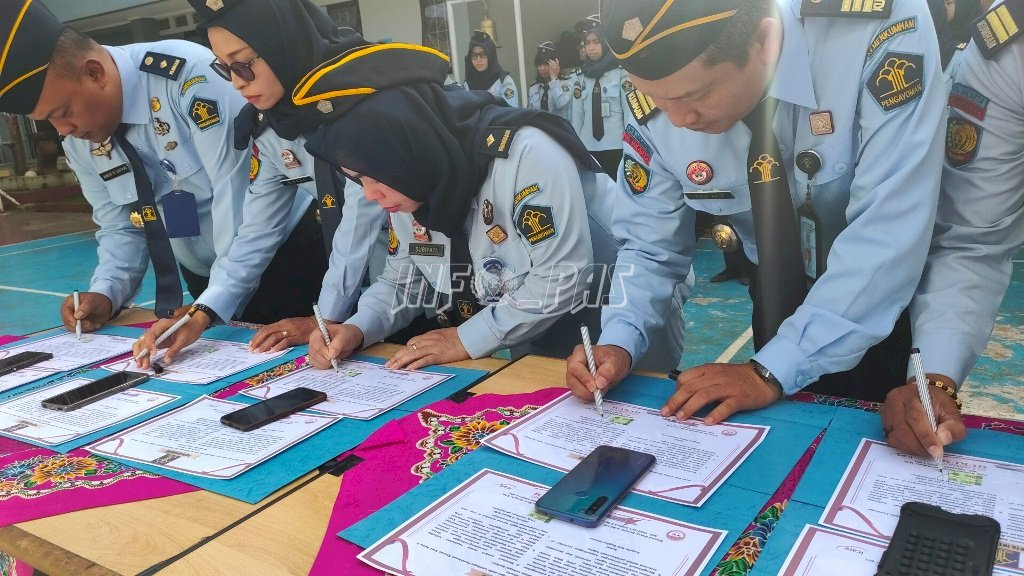 "Usai Teken Pakta Integritas, LPKA Jakarta Sematkan ""Best Employee"" Bulan Februari 2020"