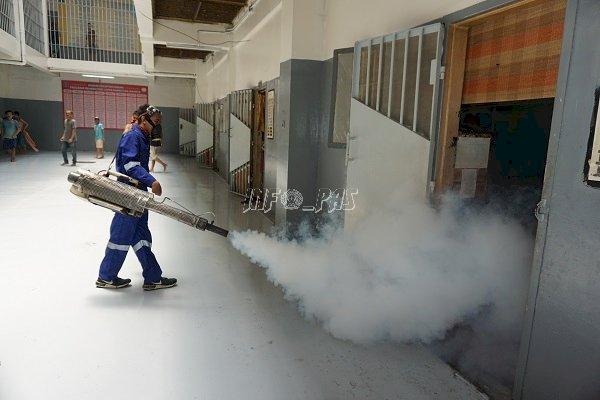 Cegah Corona, LPN Jakarta Lakukan Penyemprotan Disinfektan & Fogging