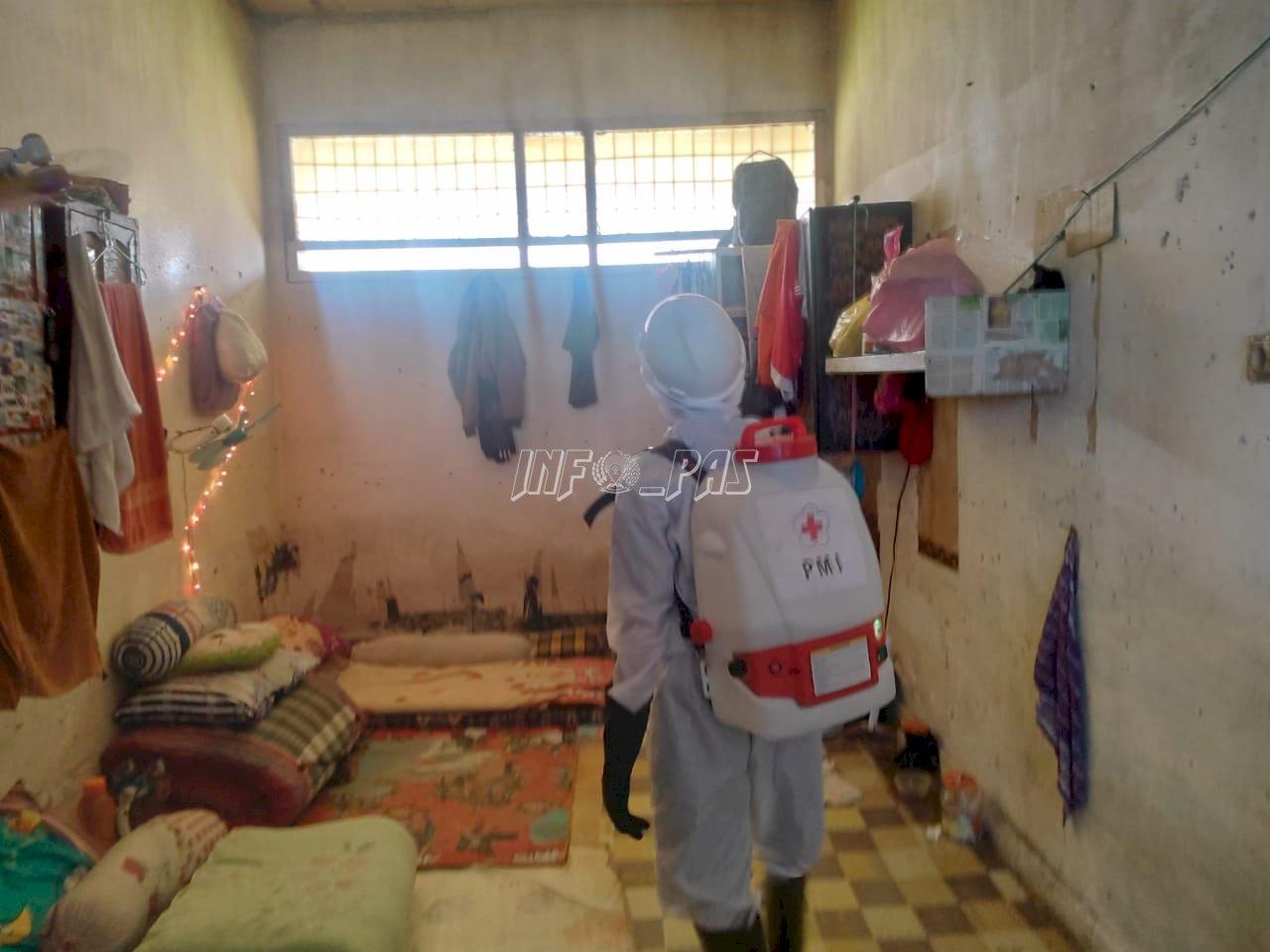 Seluruh Blok & Kantor Lapas Palangka Raya Disemprot Disinfektan