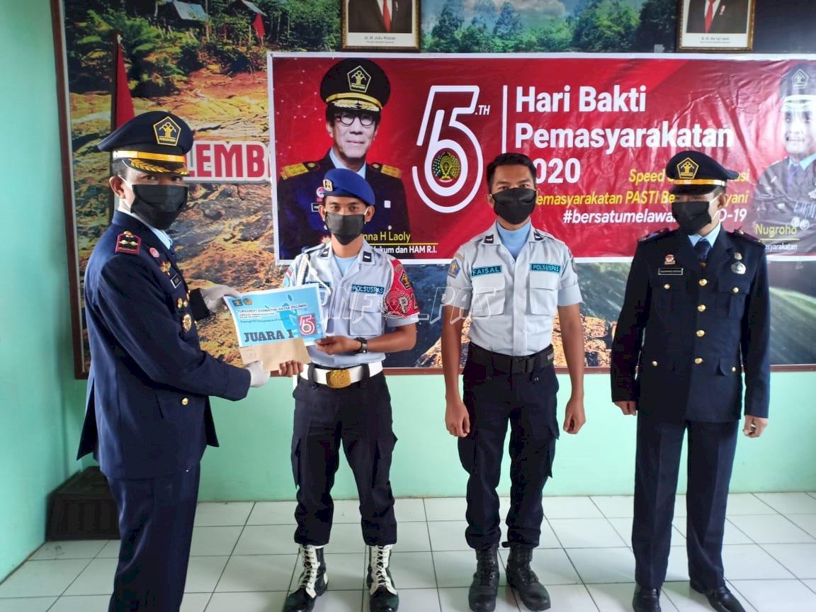 Petugas & WBP Berprestasi di Lapas Sampit Raih Penghargaan