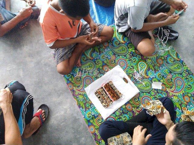 Kalapas Sukamara Pantau Pembuatan Masker Oleh WBP