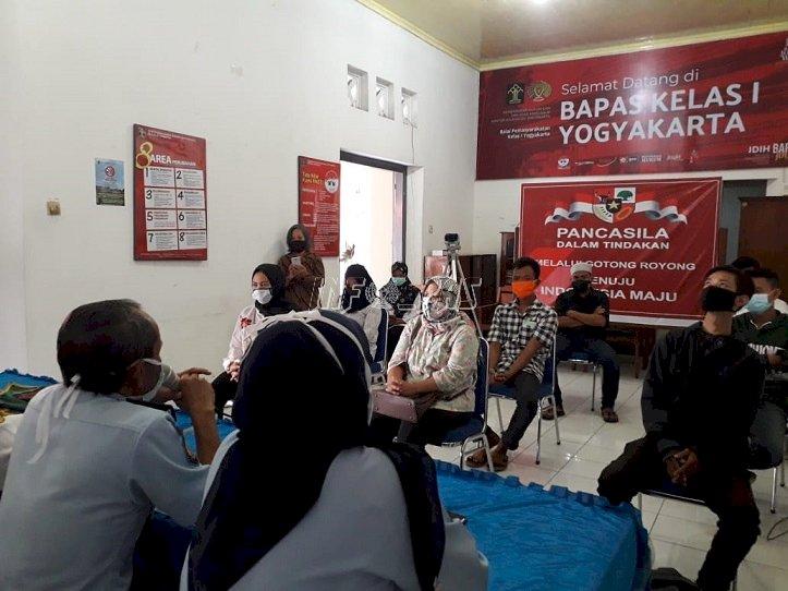 25 Klien Bapas Yogyakarta Terima Stimulan Modal Dari Dinsos