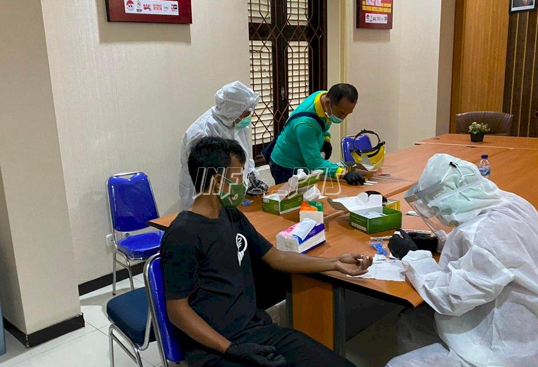 CegahPenyebaran COVID-19, Kanwil Kemenkumham Banten Lakukan Rapid Test dan PCR Swab