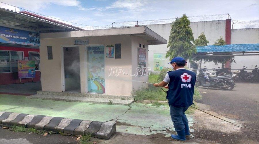 Seluruh Area Rutan Manado Disemprot Disinfektan
