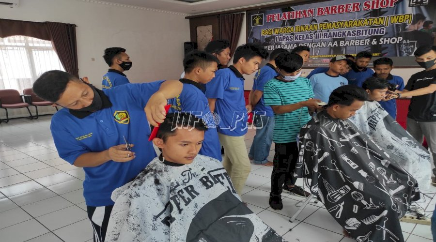 New Normal, WBP Lapas Rangkasbitung Ikuti Pelatihan Barber Shop