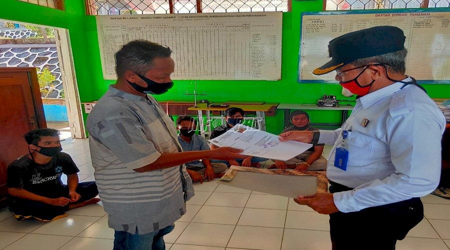 Jalani Asimilasi & Integrasi,  6 WBP Lapas Muara Teweh Bebas