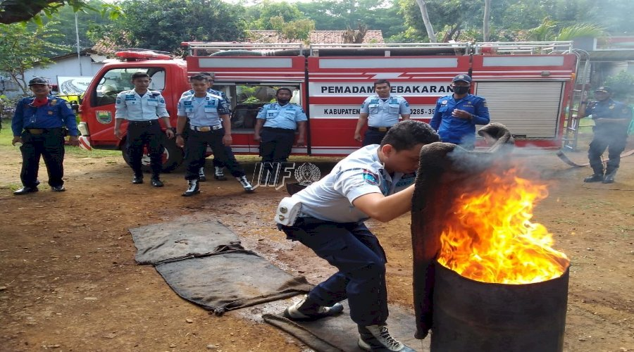Petugas Rutan Batang Ikuti Pelatihan & Simulasi Kebakaran