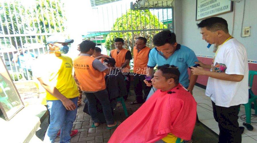 WBP Rutan Batang Ikuti Pelatihan Tata Rias & Potong Rambut