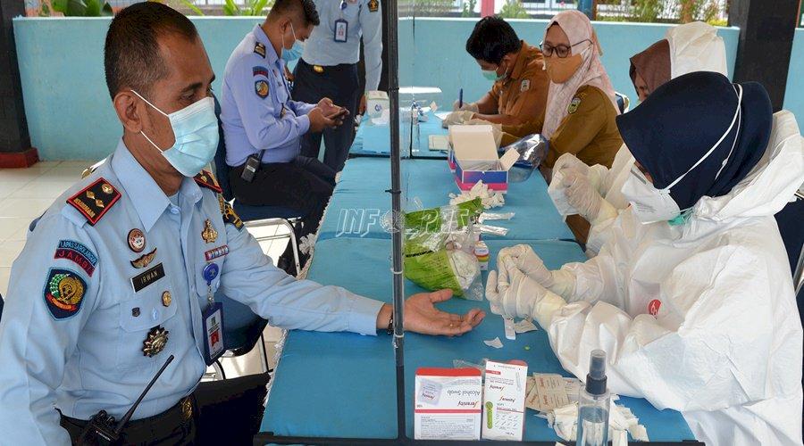 Petugas & DWP Lapas Sarolangun Jalani Rapid Test