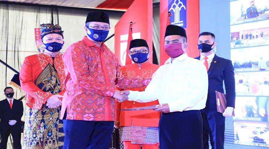 Gubernur NTB - Dirjen PAS Beri RU Narapidana & Anak di Lapas Mataram
