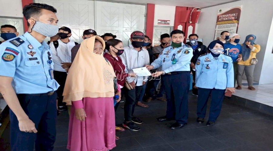 23 Narapidana Lapas Semarang Kembali Bebas Asimilasi di Rumah