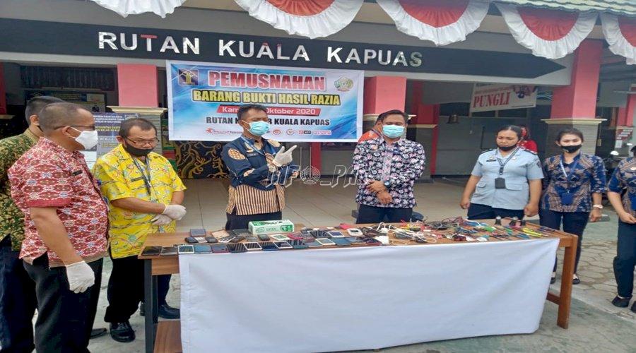 Rutan Kuala Kapuas Musnahkan Barang Bukti Razia