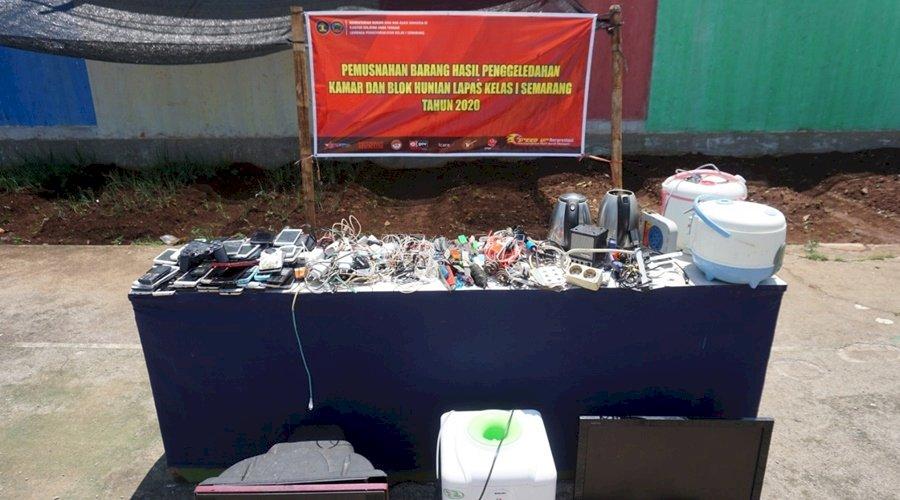 Lapas Semarang Musnahkan Barang Sitaan Hasil Razia