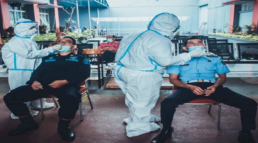 Kakanwil DKI Jakarta Pantau Pelaksanaan Rapid Test Antigen di Lapas Cipinang