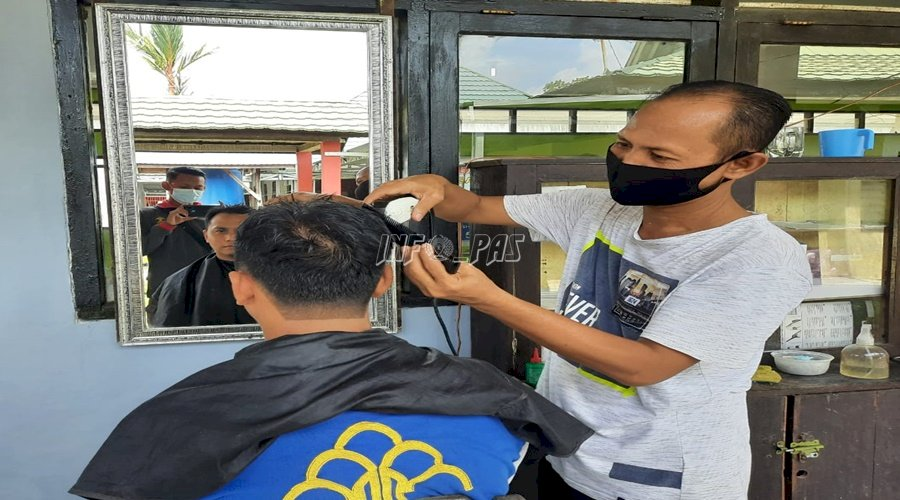 Barbershop ala WBP Rutan Kuala Kapuas, Begini Sensasinya