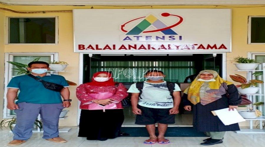 Tempuh Ratusan KM, PK Bapas Bengkulu Antar Klien Anak ke BRSAMPK Alyatama Jambi