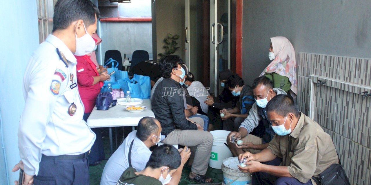 Bapas Cirebon Bekali Klien dengan Pelatihan Membuat Telur Asin