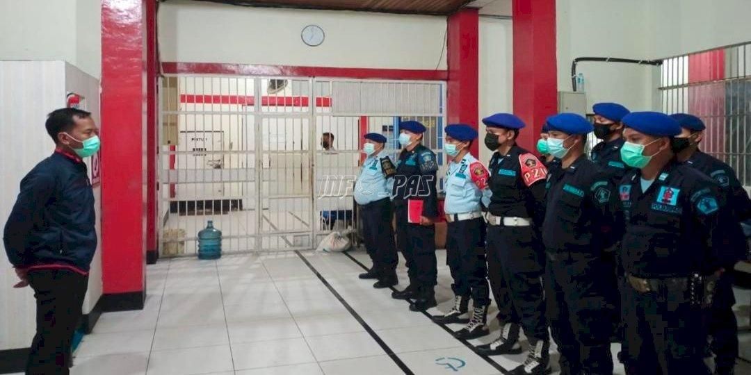 Kalapas Sampit Kontrol Pengamanan Lapas di Malam Hari