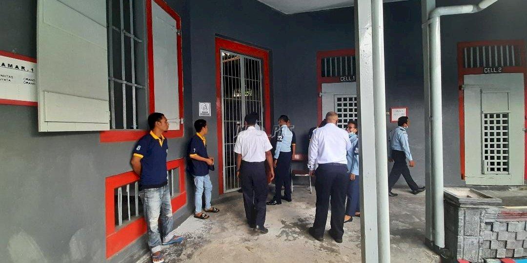 Sidak dan Tes Urine, Satops Patnal Maluku Pastikan Lapas Banda Naira Bebas Halinar