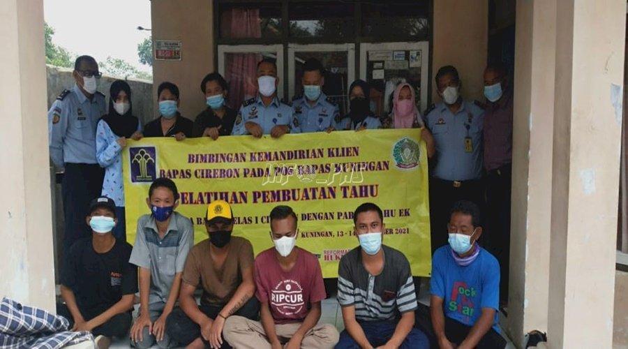 Bapas Cirebon Bekali Klien dengan Pelatihan Pembuatan Tahu