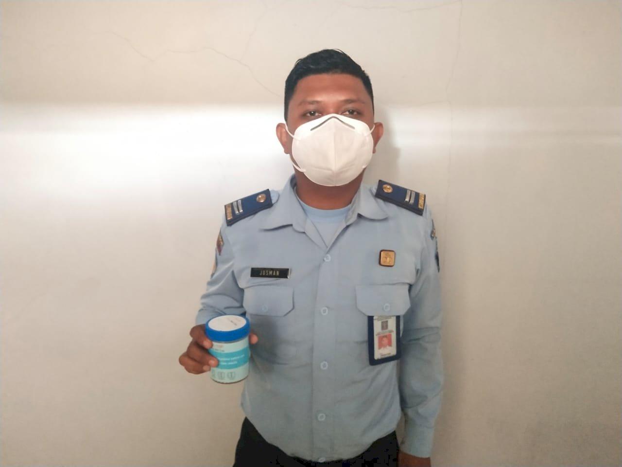 Berantas Peredaran Narkoba. Rutan Ambon lakukan Tes Urine Untuk Petugas dan WBP
